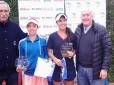 Thaisa Pedretti é campeã de simples e duplas no Uruguay Bowl
