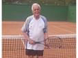 Clube Tabajara homenageia tenista de 94 anos em Blumenau