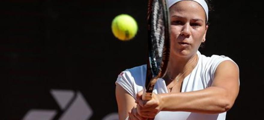 Luisa Stefani e Sophia Chow jogam Wimbledon juvenil