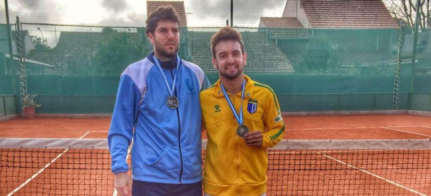 Victor Maynard conquista ouro em simples nos Jogos Sul-Americanos