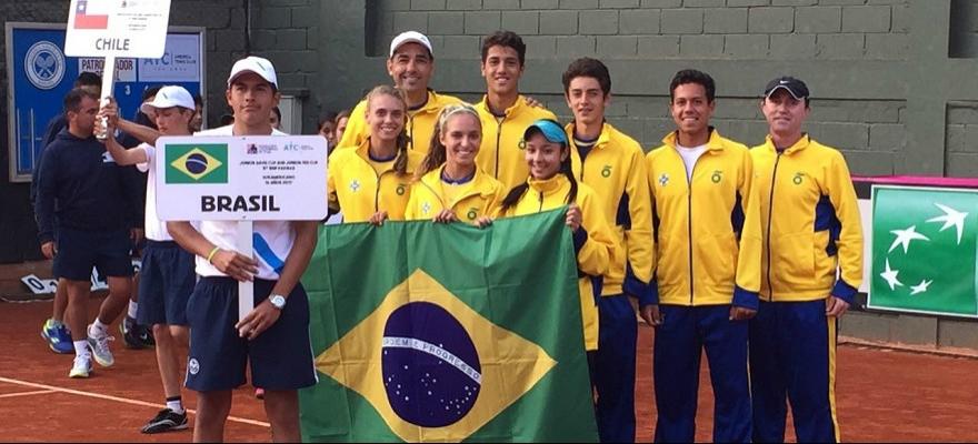 Brasil estreia com vitória no Sul-Americano 16 anos por equipes