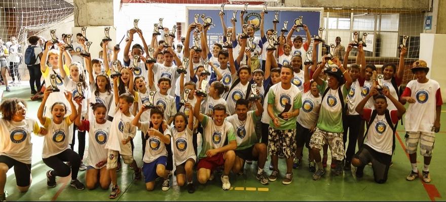 Fundação Tênis é um dos projetos sociais apoiados pela CBT/Correios