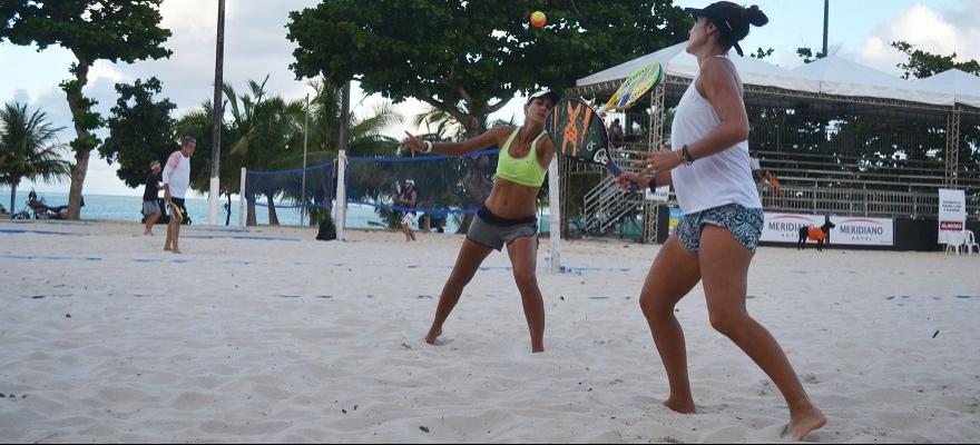 Ex-número 1 do mundo, Joana Cortez disputa o Correios Beach Tennis