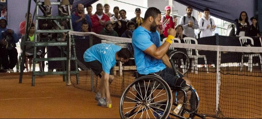 Daniel Rodrigues é tri da Copa Guga Kuerten cadeira de rodas