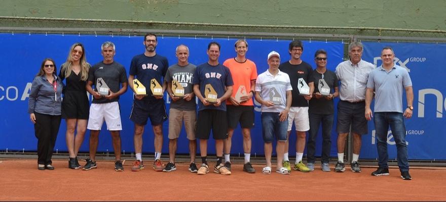 Tenistas de 10 países são campeões no Seniors em Porto Alegre