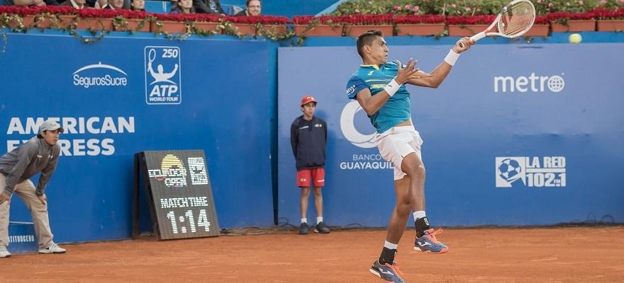 Thiago Monteiro brilha, derruba ex-top 10 Monfils e joga 1ª semi de ATP
