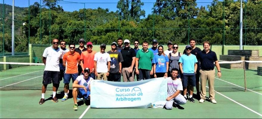 Curso Nacional de Arbitragem forma 20 profissionais em Florianópolis
