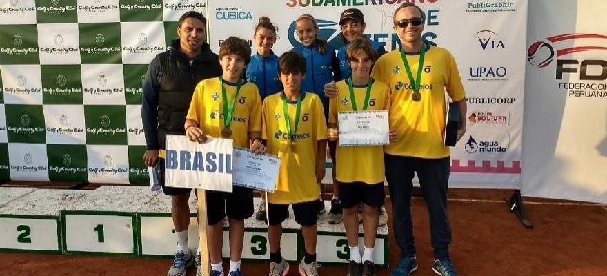 Brasil é bronze no Sul-Americano 12 anos e conquista vaga na Copa Cosat
