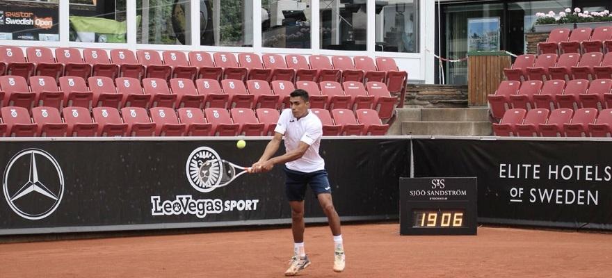 Monteiro vence estreia no ATP de Bastad, na Suécia, e encara top 15