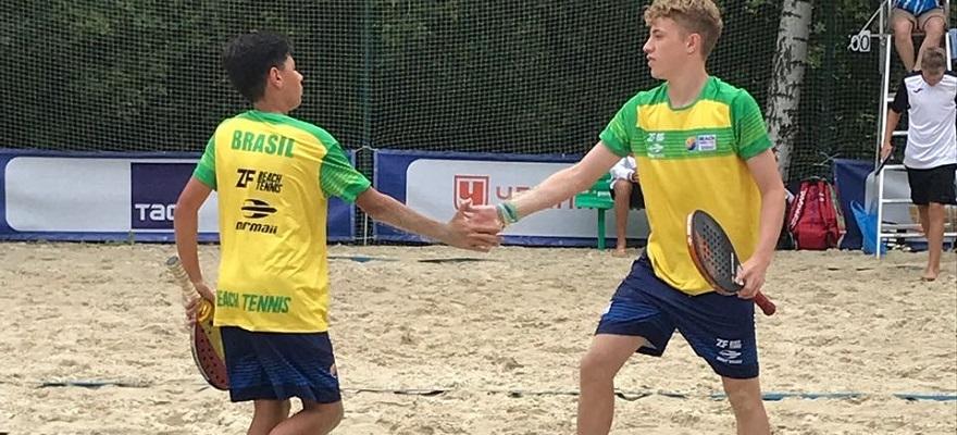 Juvenis estreiam com vitória no Mundial por equipes de Beach Tennis