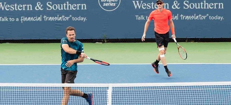 Bruno Soares e Marcelo Demoliner avançam no Australian Open