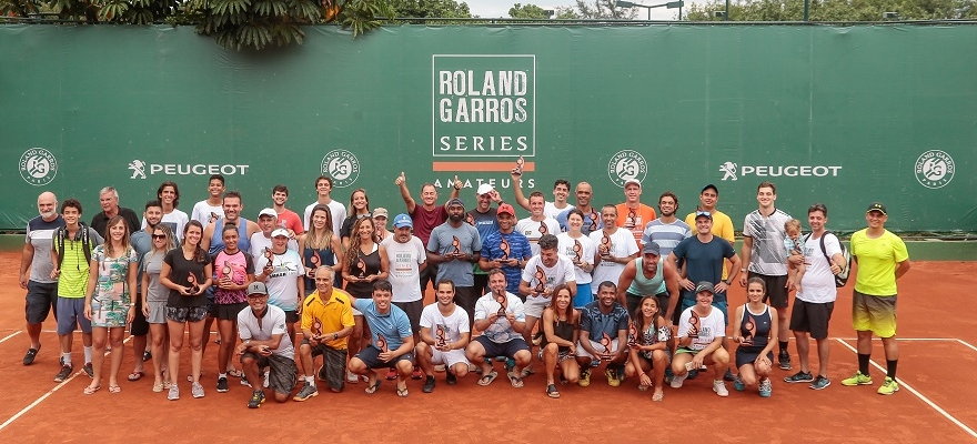 Confraternização na final do Máster do Roland-Garros Amateur Series