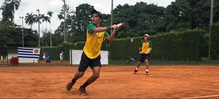 Brasil estreia com vitórias no Sul-Americano 14 anos