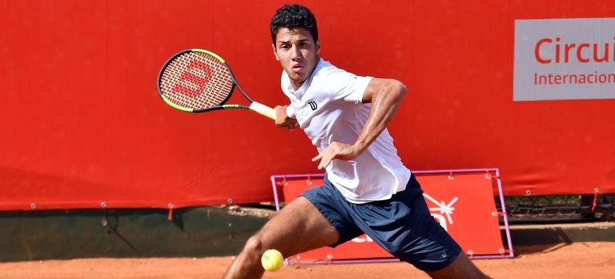 Mateus Alves está a uma vitória de Roland-Garros Júnior