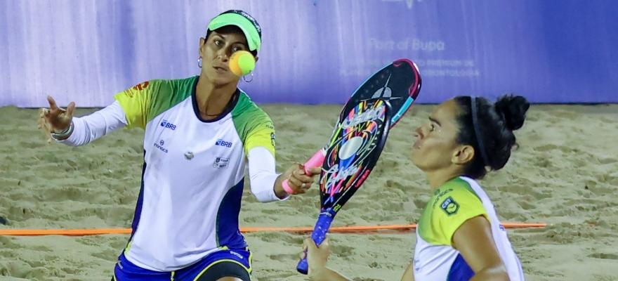 Time Brasil BRB encara a chuva e vence o México por 3 a 0 na estreia da Copa do Mundo de Beach Tennis